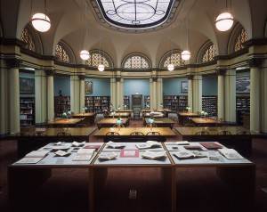 The Art Institute of Chicago. The Franke Reading Room at the Ryerson and Burnham Libraries. Courtesy of the Art Institute of Chicago.